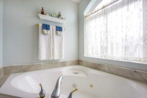 お風呂の排水口が詰まる原因