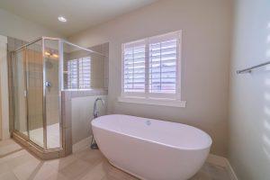 お風呂のカビやぬめりは健康被害のもと!ご家庭でできる対策は?